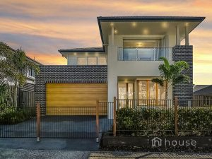 10 Honeyeater Place, Rochedale  QLD  4123